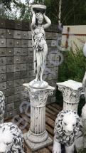 """Скульптура бетонная """"Девушка подиум""""/подиум С 126"""