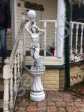 Скульптура из бетона Девушка Светильник+подиум С 127