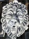 Фонтан из бетона Маска Льва