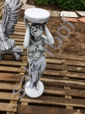 """Скульптура бетонная """"Девушка подиум"""""""