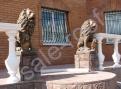 Скульптура из бетона Лев правый, левый Золотые